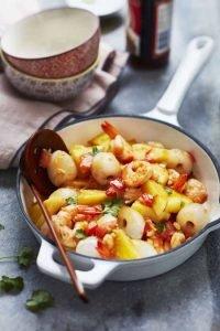 Wok de crevettes aux litchis et ananas