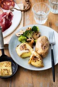 Raclette au St Nectaire et poêlée de légumes